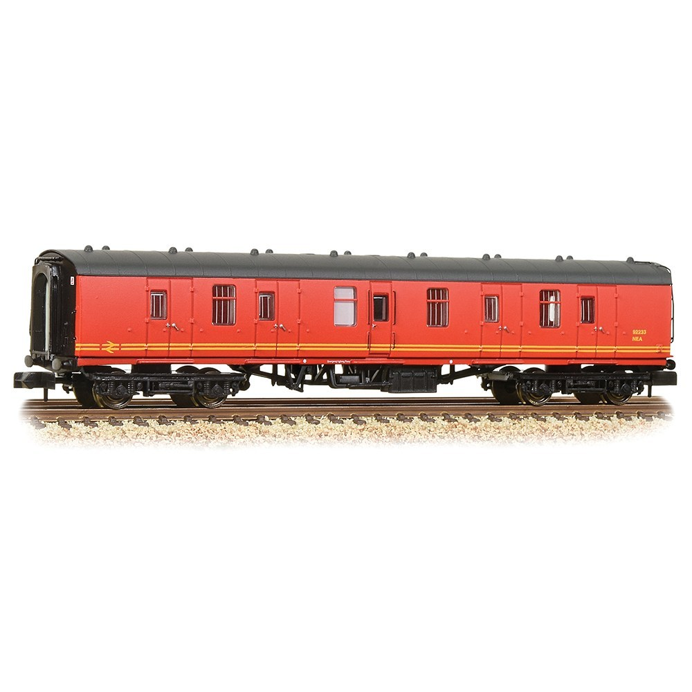 374-044A-Graham Farish-BR Mk1 BG Brake Gangwayed Royal Mail Letters