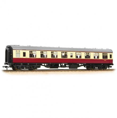 39-052E Bachmann Mk1 SO Second Open BR Crimson & Cream