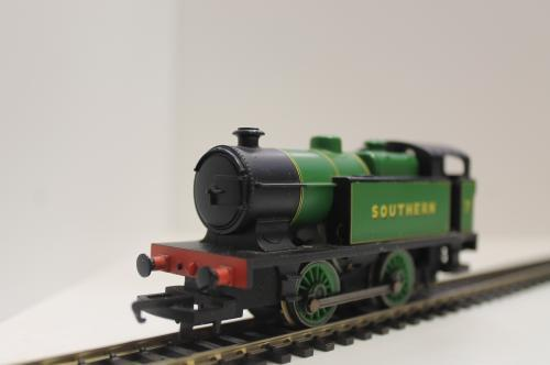 Pre-Owned Hornby R2439 0-4-0 Southern