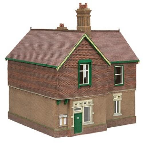 44-088G Scenecraft Bluebell Booking Office Green and Cream