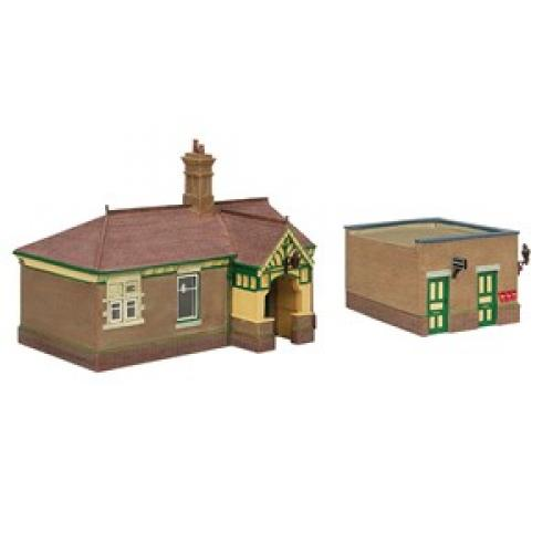 44-090G Scenecraft Bluebell Waiting Room and Toilet Green & Cr